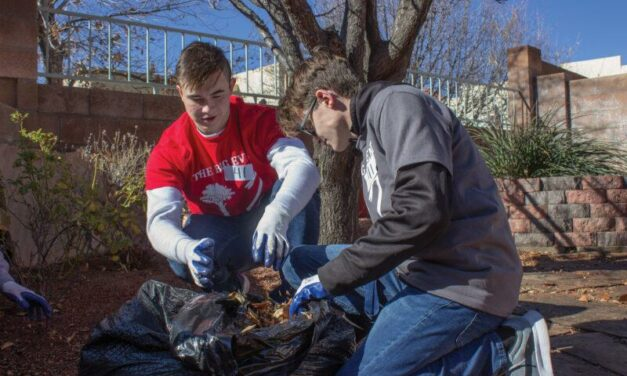 700 volunteers clean 100 yards with Big Event