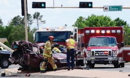Updated: 1 dead, 2 seriously injured in wreck Monday
