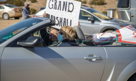 Placitas residents hold surprise parade for retiring librarian