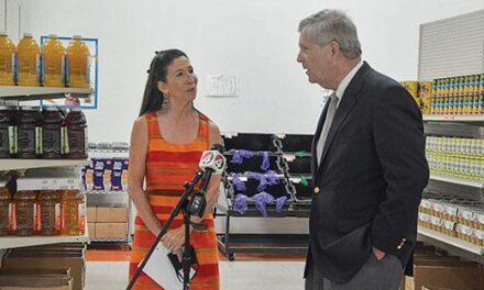 Congresswoman, US Secretary of Agriculture visit